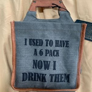 NWT Green canvas six-pack holder